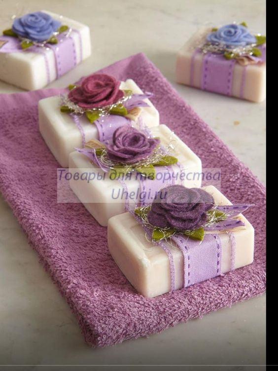 мыло в упаковке из фетра с цветами