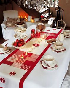 сервировка новогоднего стола декор