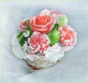 букет из мыла корзинка розы и хризантемы новокузнецк